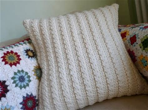 Easy Crochet Pillow Patterns by 187 Free Easy Crochet Pillows