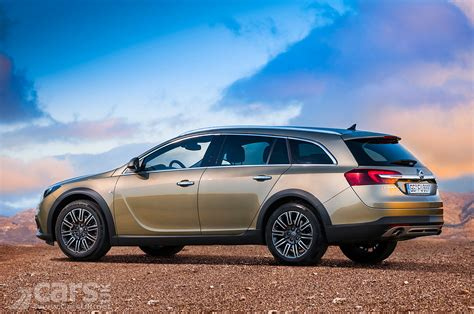 opel insignia uk vauxhall insignia country tourer pictures cars uk