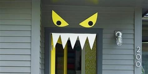 halloween decorated homes halloween decorated doors home decor loversiq