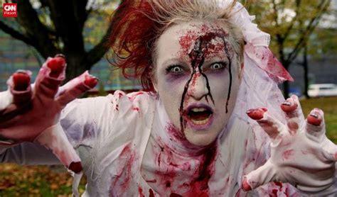 imágenes de zombies para halloween cnn co jp 世界中のハロウィーンを追う ゾンビからかぼちゃ畑まで 1 10