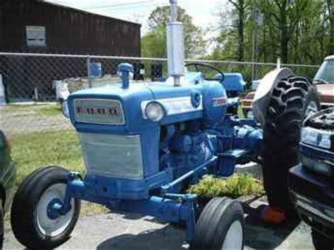 used farm tractors for sale: ford 4000 lp (2005 09 12