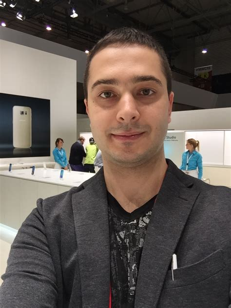 Selfie For Iphone 6 And Iphone 6 samsung galaxy s6 s6 edge selfie comparison vs