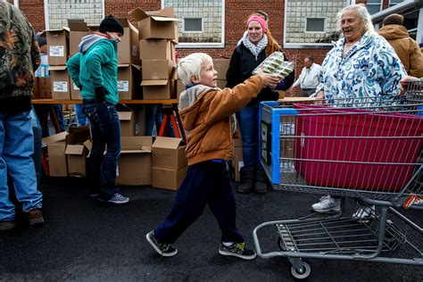 Food Pantry Springfield Il by Hunger Lingers Despite Recovering Economy News The