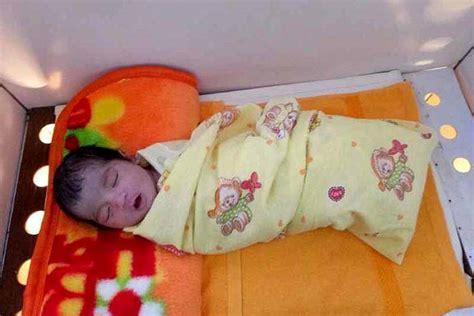 Ranjang Bayi Rumah Sakit tak punya biaya ibu dan bayi terlantar di rumah sakit balipost