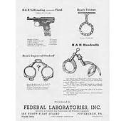 FEDERAL LABORATORIES  C1940s LAW ENFORCEMENT HANDCUFFS SHACKLES