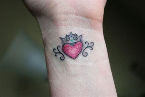 irish wrist tattoos version of the claddagh symbol a somethin