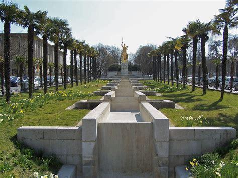 porte fontaine file fontaine de la porte dor 233 e jpg wikimedia commons