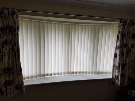 vertical blinds vs curtains vertical blinds vs curtains 28 images living room