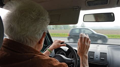 wann wird erbschaftssteuer fällig senioren am steuer wann wird es gef 228 hrlich und wer sollte