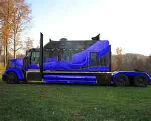 Semi Sleepers by Custom Big Trucks Some Of Your Guys Custom King Sized