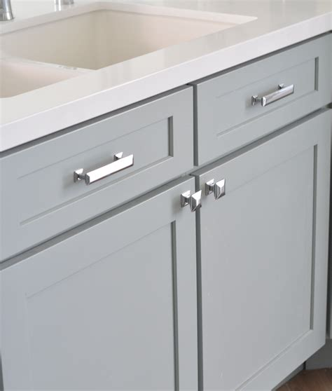 kitchen cabinet hardware ideas pulls or knobs cabinet hardware home ideas pinterest cabinet