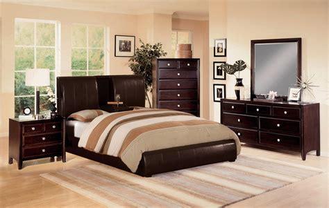 crown mark furniture flynnlawson  piece panel bedroom set  warm brown