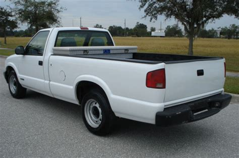 chevy s10 bed size 1gccs14x4wk163218 1998 99k miles chevy s10 7ft long bed vortec 4 3 v6 auto white
