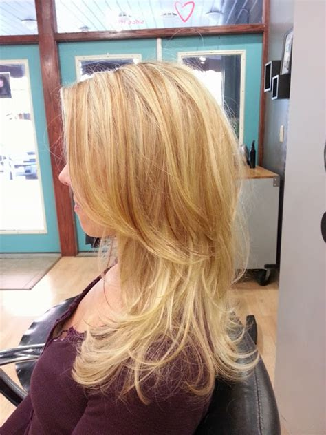 natural blonde hair with lowlights leah grace hair stylist color natural blonde lowlights
