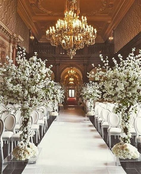 Wedding Aisle Decorations Indoor by White Themed Luxurious Indoor Wedding Ceremony D 233 Cor