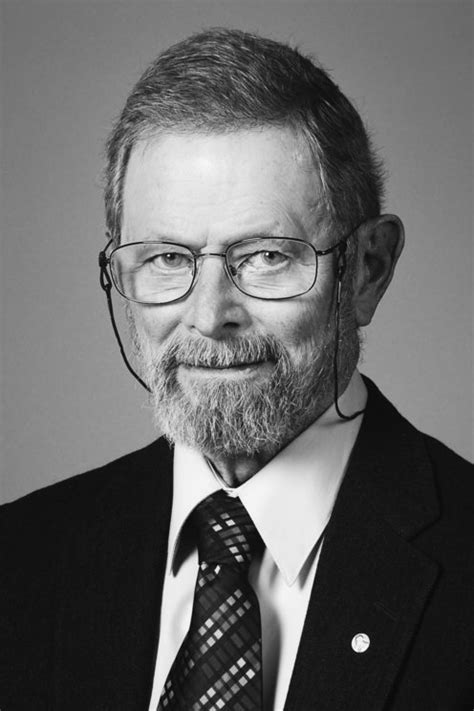 George E. Smith - Facts - NobelPrize.org
