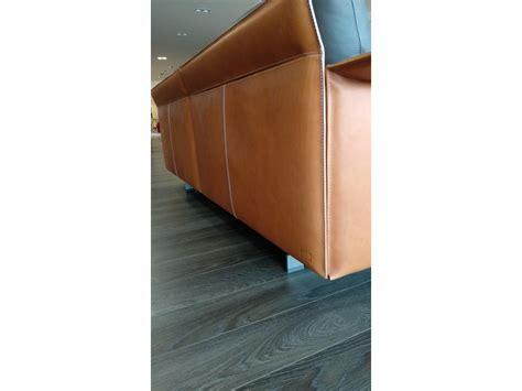 poltrona frau prezzi divani divano in pelle poltrona frau a prezzo scontato