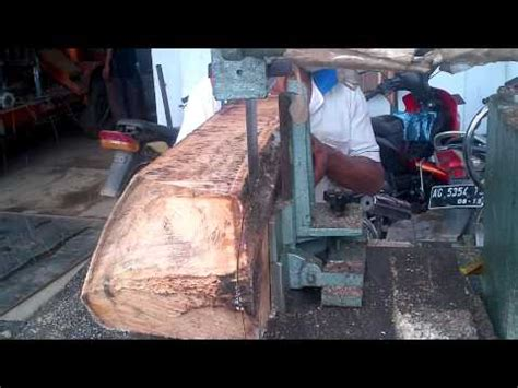 Gergaji Mesin Slendang proses pengolahan kayu jati di sawmill doovi