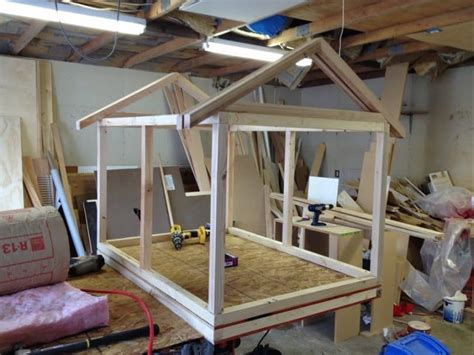 how to build a large dog house sloped roof dog house plans