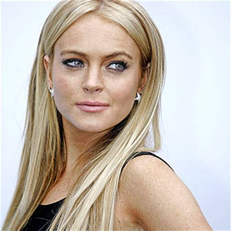 lindsay lohan with medium ash blonde hair very long and curly source hairstyles7 net january 2010 2011 hairstyles january 2010 archives