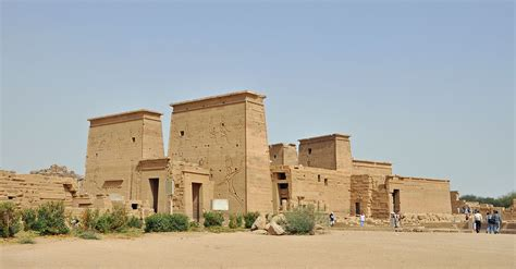 Reel Bc Centro file philae temple r03 jpg wikimedia commons