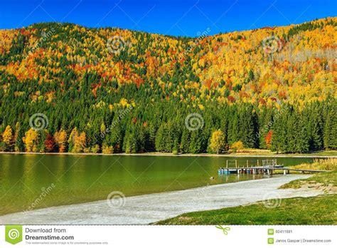 imagenes de paisajes europeos autumn landscape with colorful forest st ana lake
