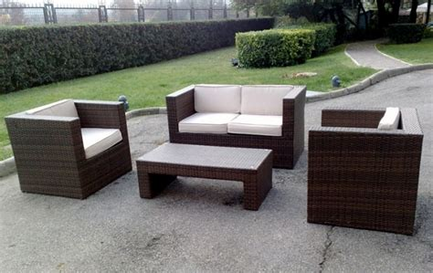 noleggio sedie e tavoli noleggio set da esterni tavoli divani per eventi