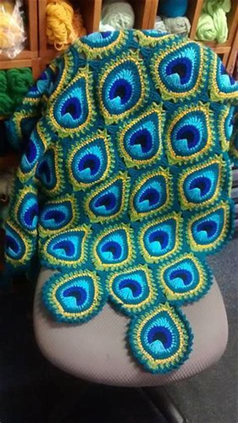 Square Motif Feather peacock crochet blanket pattern free tutorial blankets and crochet