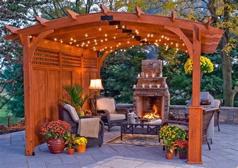 privacy fence  attached pergola nice cozy spot