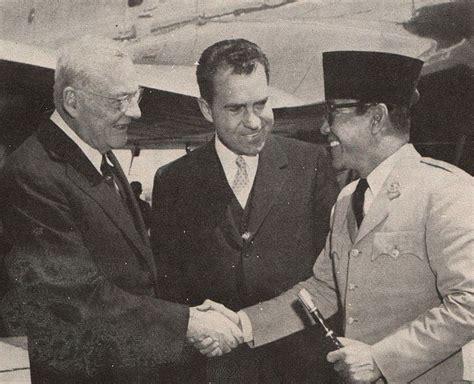 Sejarah Gelap Presiden Amerika Serikat file foster dulles richard nixon and sukarno presiden soekarno di amerika serikat p2
