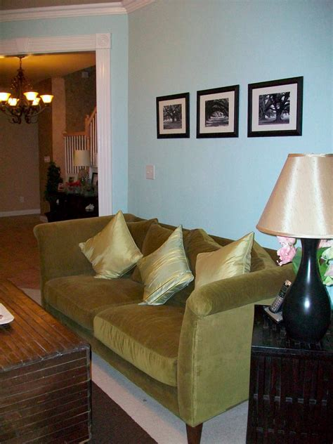 rate my space living room living rooms on a budget our 10 favorites from rate my space hgtv