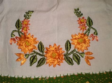 como hacer bordados con flores de liston dibujos para bordar en liston imagui