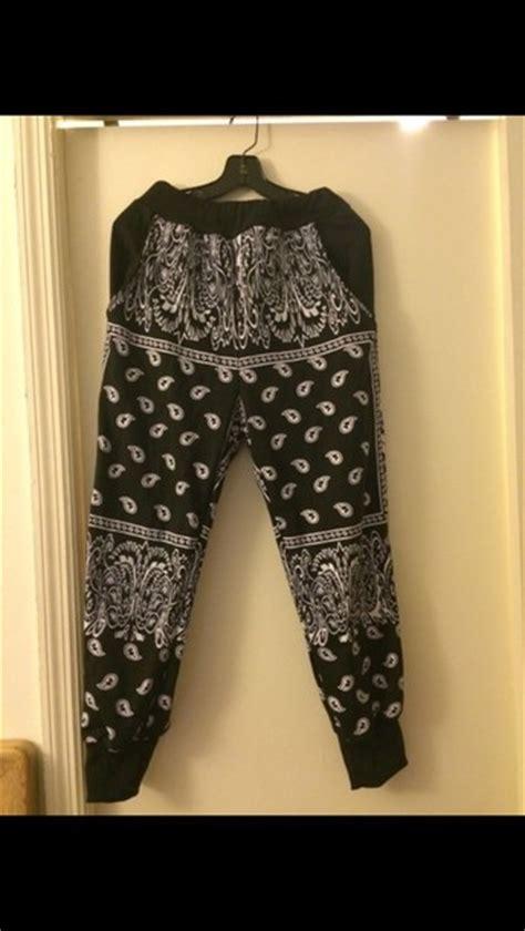 black and white patterned joggers pants black and white bandana print joggers wheretoget
