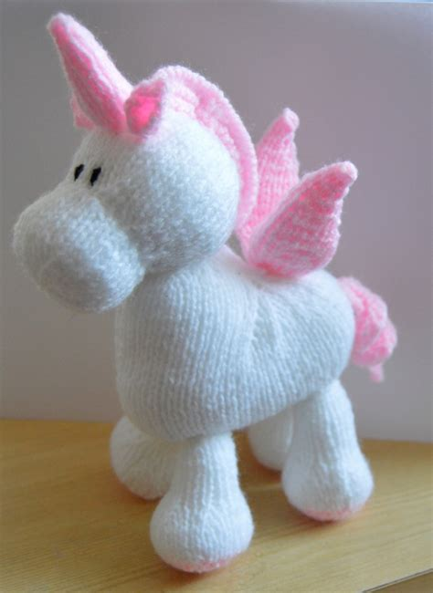 Knitting Pattern Unicorn | stardust the unicorn knitting pattern knitting by post