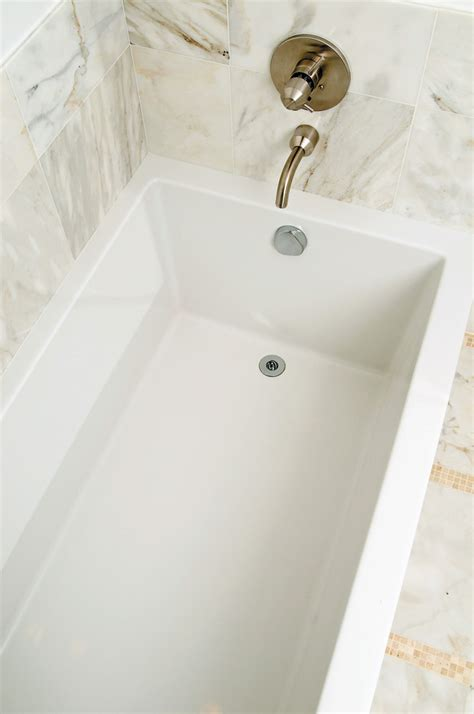 bathroom caulking tips tips to re caulking your bathroom hawaii renovation