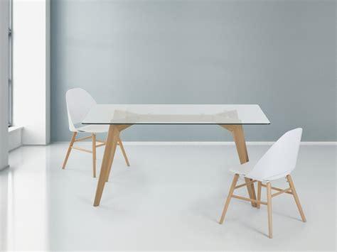 table salle a manger style scandinave table en verre design pour un espace de vie chic et moderne