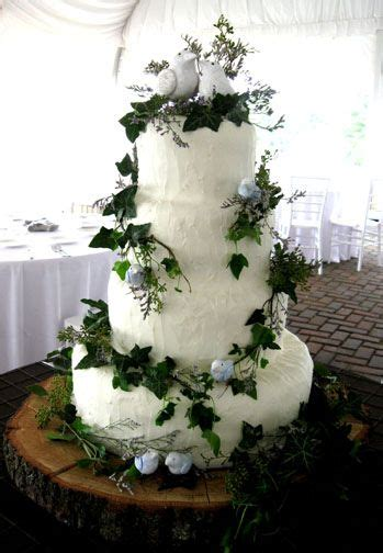 nature theme with birds and tree wedding cake i want something like this but with smaller
