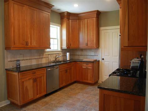 natural maple kitchen design bookmark 18152 shaker cabinets hardware shaker kitchen cabinets designs