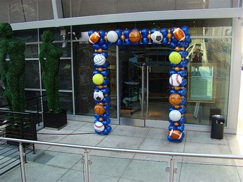 Sports Themed Balloon Decor by 1000 Images About Balloon Ideas On Balloon