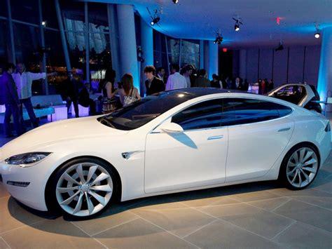 Tesla Series S Elon Musk Offers A Tesla Happiness Guarantee Abc News