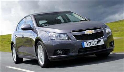 chevrolet cruze 1.6 lt auto 5dr car review march 2012