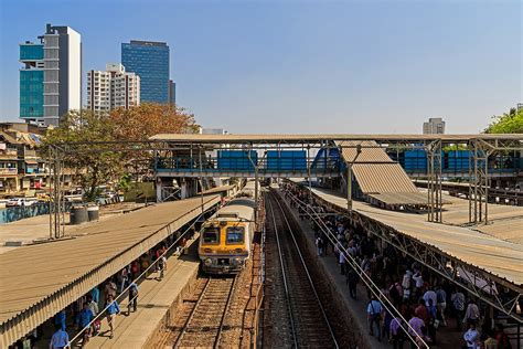 Dadar Central railway station - Wikipedia