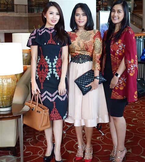 Dress Batik Baju Kerja Wanita 14 model baju batik kerja wanita terbaru yang elegan