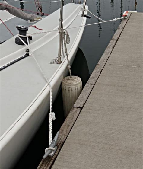 tying up a pontoon boat how to tie up a boat dock howsto co