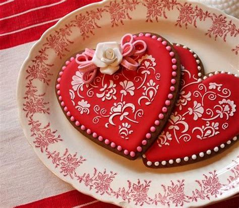 valentine s day cookie decorating 22 heart shaped cookies creative and edible decorations