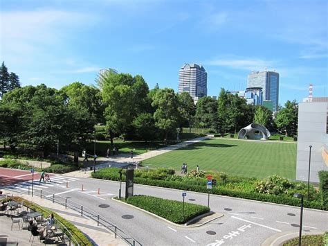 Midtown Garden by Tokyo Midtown An Area To Enjoy Shopping Dining And