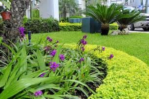 imagenes jardines con flores plantas para darle vida al exterior de su casa gente