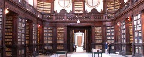 arredamento biblioteca tirrenia srl etichette libro forniture arredamento