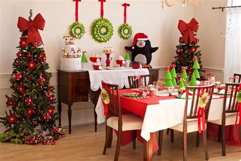 christmas decorating themes 23 christmas party decorations that are never naughty