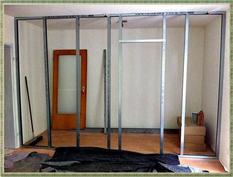 Kleiderschrank Begehbar Ikea by Begehbarer Kleiderschrank Dachschr 228 Ge Beleuchtung